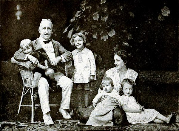 Siegfried Wagner and his family in 1922