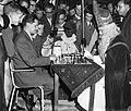 Sint Nicolaas schaakt met Keres, Bestanddeelnr 910-8295.jpg