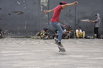 Freestyle skateboarding tricks - Image: Skateboarding at Mexico City Flip 094