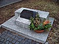 Sokolov, Růžové náměstí, deska popraveným sovětským občanům.jpg