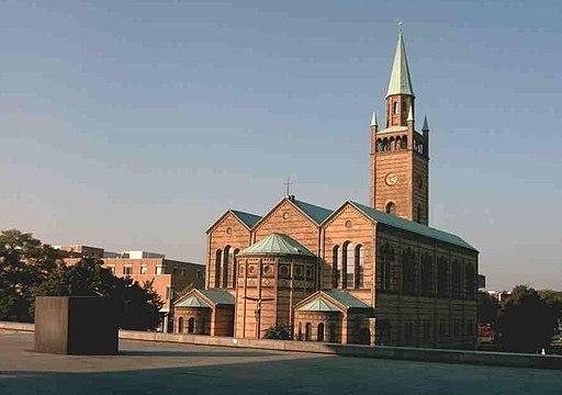 野外シネマ、夏のベルリン観光地、St Matthew church Berlin-Tiergarten