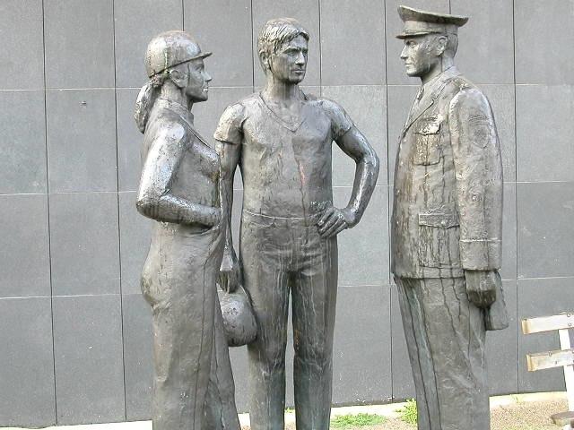 Stasi-statue