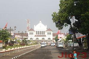Cirebon - Image: Stasiun KA Kejaksan Kota Cirebon Jie 73