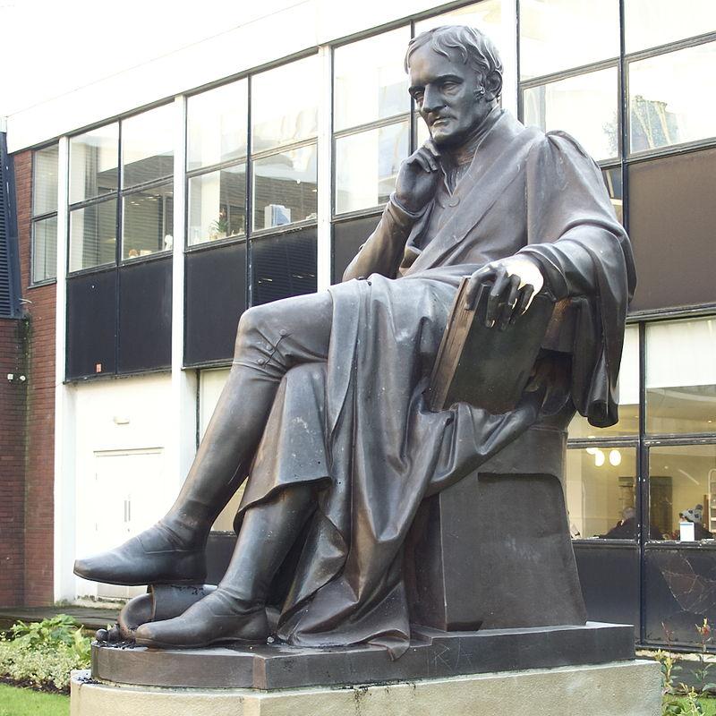 Statue of John Dalton.jpg