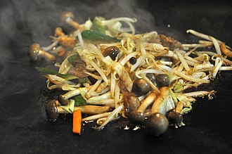 Mung bean sprout - Stir-fried mung bean sprouts and mushrooms
