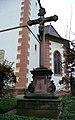 Steinkruzifix 1715 vor St.Georg Buchheim-March von SO.JPG