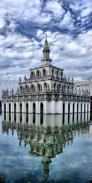 Image:Sukhothai Thammathirat Open University 01.jpg