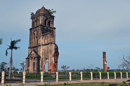 Tam Toa Church in Dong Hoi, Quang Binh Province destroyed by bombing in 1965. Tam Toa Church, Dong Hoi.jpg