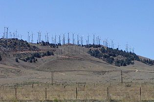 Tehachapi wind farm 2.jpg
