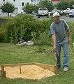Teig Hogan tosses horseshoe Our Community Place Lawn Jam Harrisonburg VA June 2008.jpg