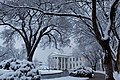 The White House after a snowstorm on the morning of Feb. 3, 2010.jpg