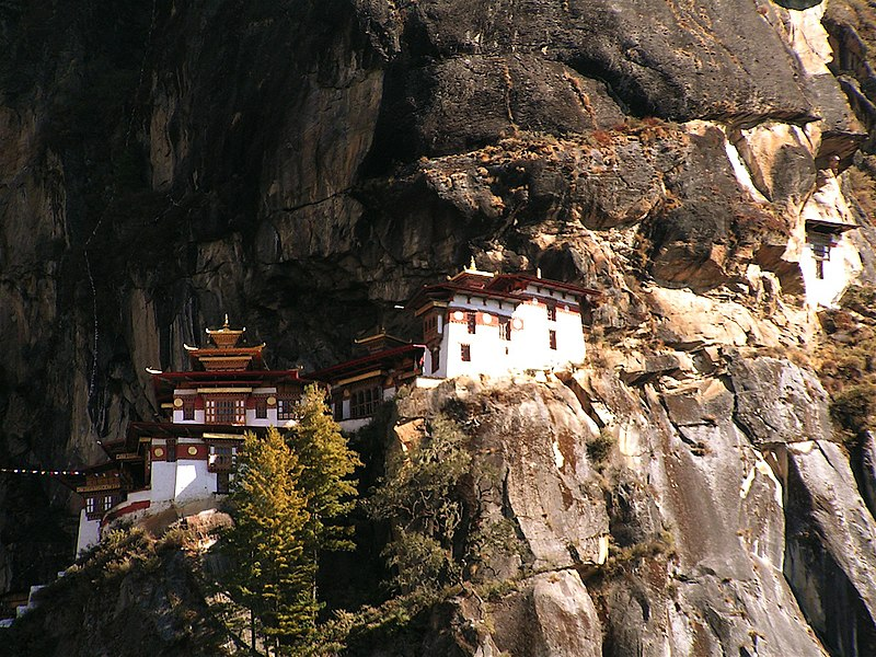 File:Tigernest (Taktsang)-Kloster in Bhutan 2.jpg
