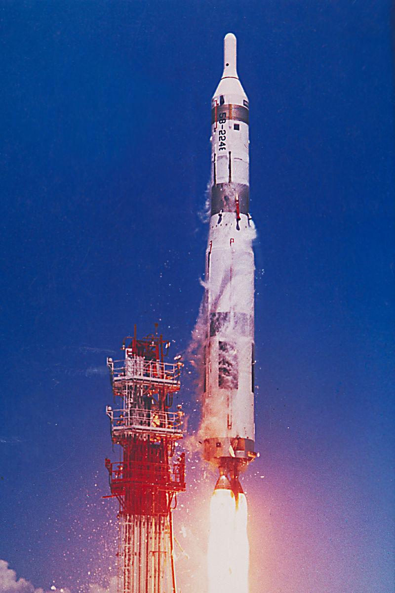 800px-Titan_1_ICBM.jpg