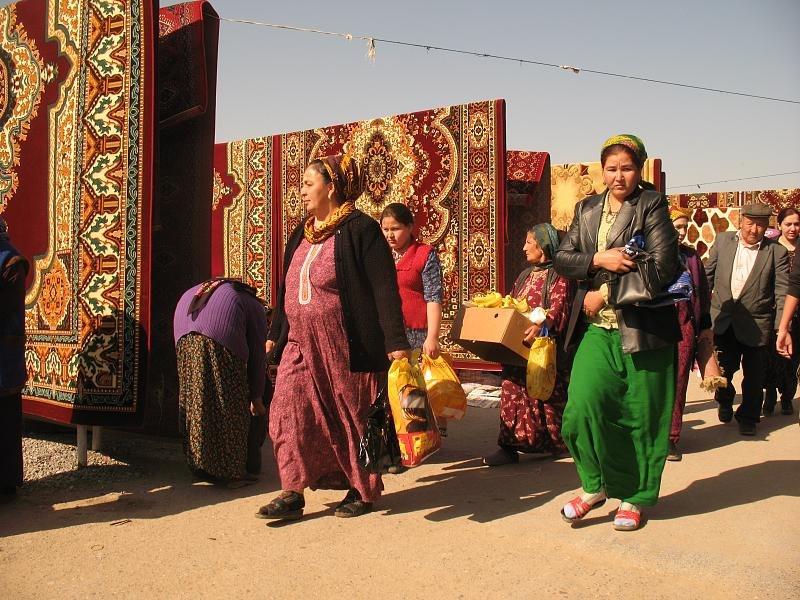 Tolkuchka bazaar (3406779200)