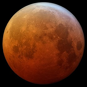 Total lunar eclipse on January 21, 2019 (45910439045) (cropped).jpg