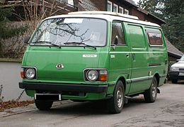 Toyota Hiace (second generation) D front.jpg