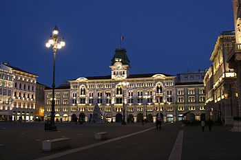 English: Central square, Trieste, Italy
