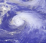 Typhoon Ewiniar 15 aug 2000 0632Z.jpg