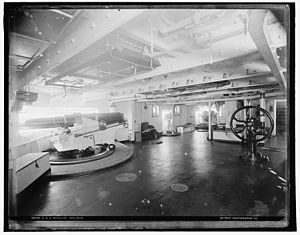 "5""/40 caliber gun - Image: USS Brooklyn 5 inch gun LOC 4a 14050v"