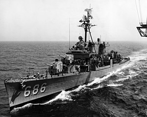 USS Halsey Powell (DD-686) underway on 23 September 1962 (USN 1062459).jpg
