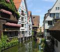Ulm - Fischerviertel, Blauarm, Schiefes Haus.JPG