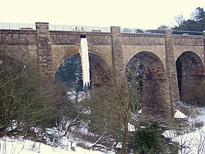 Union Canal (Scotland) - Frozen overflow channel at the River Almond aqueduct during the big freeze of 2010