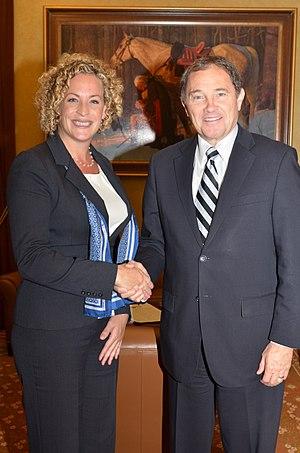 Carol Lynn Curchoe - Governor Gary R. Herbert and Carol Lynn Curchoe, Ph.D. Utah State Science Advisor