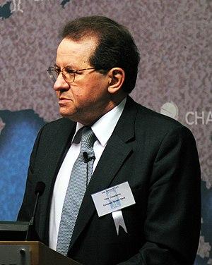 Vítor Constâncio - Image: Vítor Constancio at Chatham House