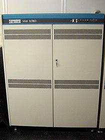 VAX 11-780 intero.jpg