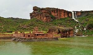 Bhutanatha group of temples, Badami - Bhutanatha temple in monsoon