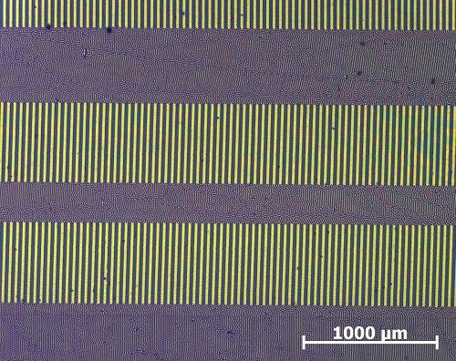Visualisierung der magnetisch gespeicherten Informationen auf einer Stereo-Audiokassette (Aufgenommen mit CMOS-MagView)..jpg