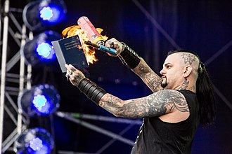 Vital Remains - Brian Werner is burning a bible, Party.San 2017