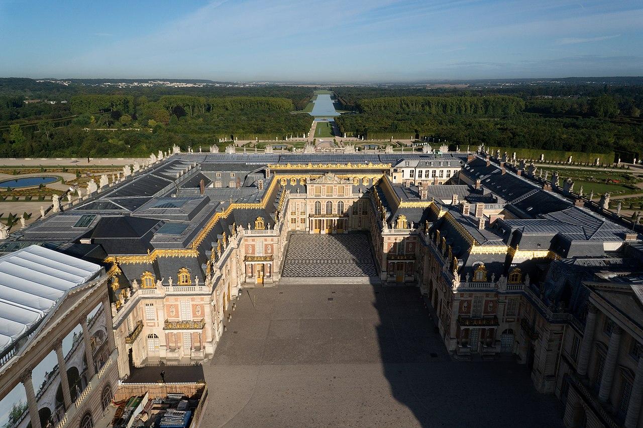 Vue aérienne du Château de Versailles en France