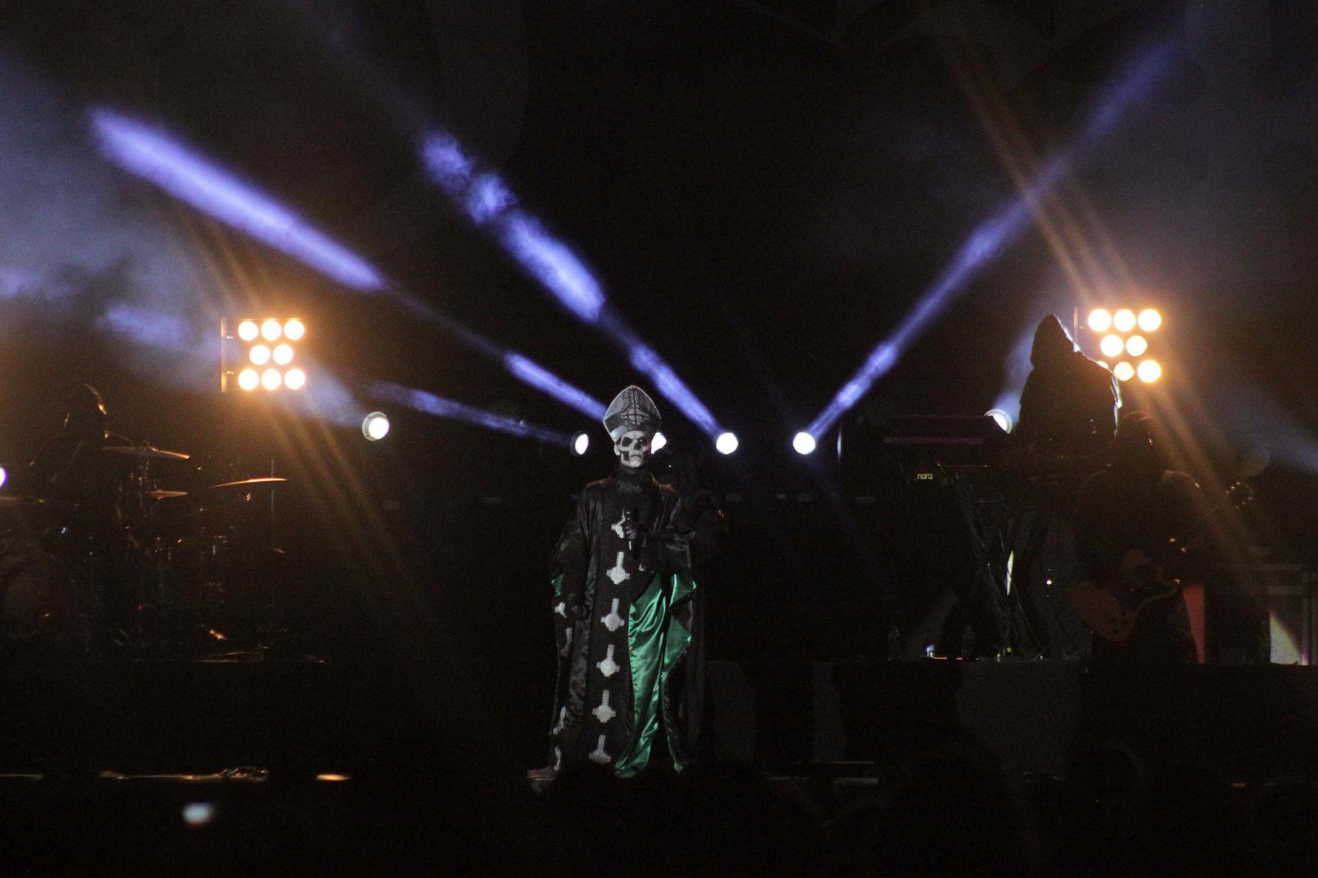 W0837-Hellfest2013 Ghost PapaEmeritusII 72400.JPG