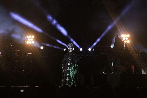 W0837-Hellfest2013 Ghost PapaEmeritusII 72400