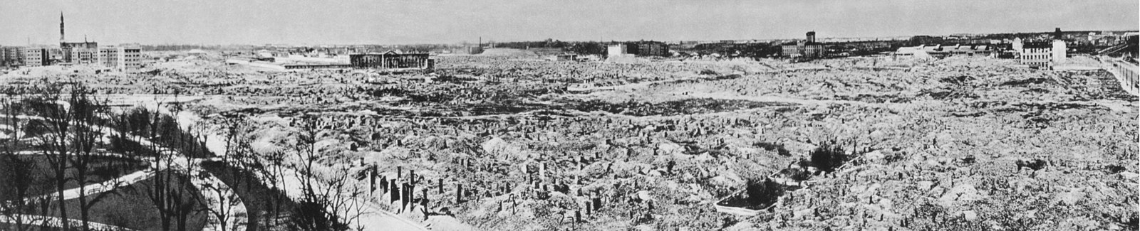 Warsaw c. 1950, still witness to the massive World War II destruction of the city. Northwest view of the Krasinski Gardens and Swietojerska Street. Warsaw Ghetto destroyed by Germans, 1945.jpg