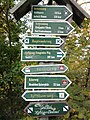 Wegweiser am Kyffhaeuser (Saalfeld 207 km).jpg