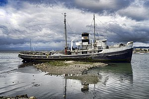 Wreck of the ST Christopher (8321674969).jpg
