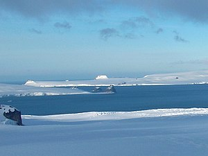 View from the Ravda Peak area over McFarlane Strait on Greenwich Island with the Jakoruda Glacier (background)