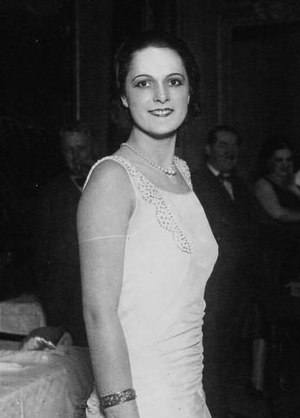 Begum Om Habibeh Aga Khan - Image: Yvette Labrousse 1930