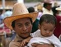 Zacapa-24-Markt-Mann mit Baby-1980-gje.jpg