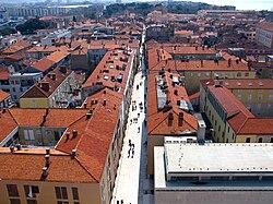 Phố cổ nhìn từ tháp chuông giáo đường St. Stošija