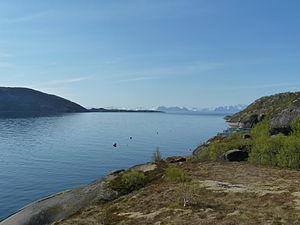 Skutvika - Økssundet merges with Vestfjord at Øksnesodden