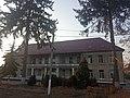 Головний корпус Бучацької центральної районної клінічної лікарні, осінь 2019.jpg