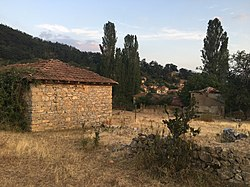 Куќи во Горно Коњско.jpg