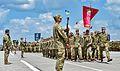 Президент Петро Порошенко на церемонії випуску Харківського університету Повітряних Сил ім. Івана Кожедуба (27774784902).jpg
