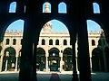 باحة مسجد السلطان قلاوون من الداخل.jpg