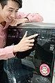 날씨 따라 세탁옵션 스스로 바꾸는 음성인식 LG 트롬 씽큐 드럼세탁기 - Flickr - LGEPR (3).jpg