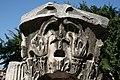 0 Chapiteau corinthien brisé - Forum romain.JPG