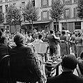 14 juillet (Quatorze Juillet) 1938 Parijs, orkest en dansende mensen op straat, Bestanddeelnr 254-2184.jpg